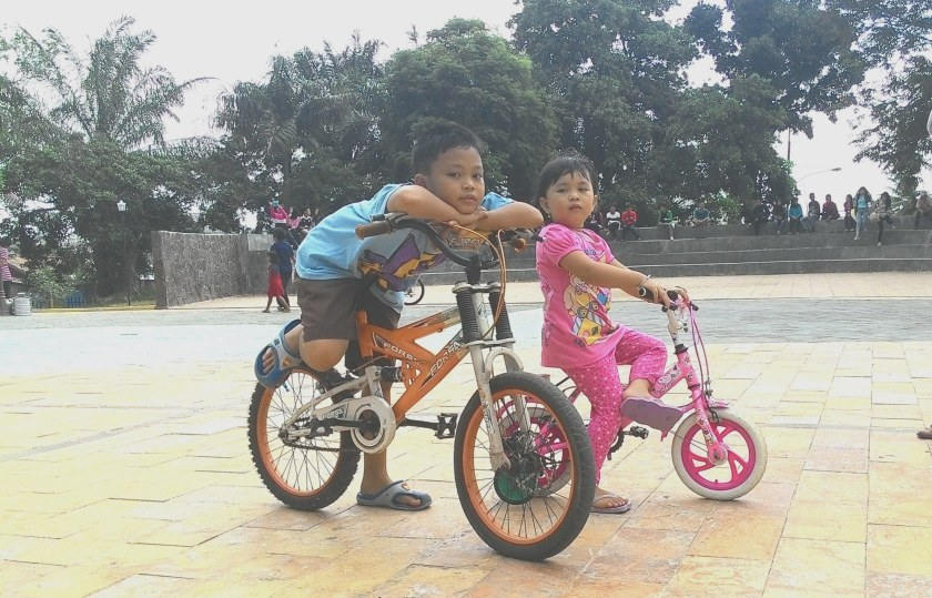 cycle together