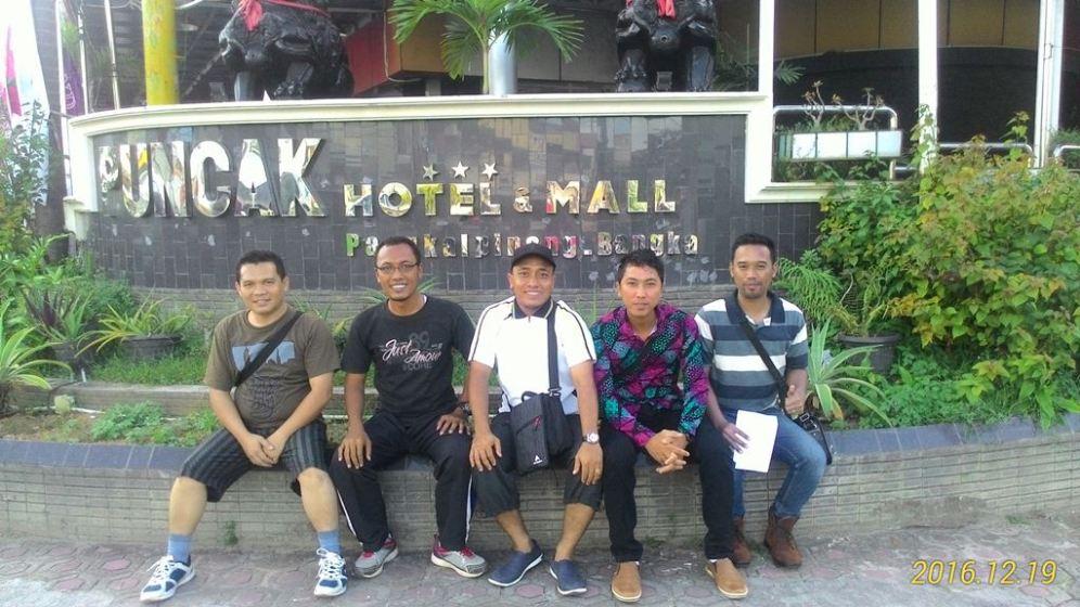 Puncak Mall dan Hotel